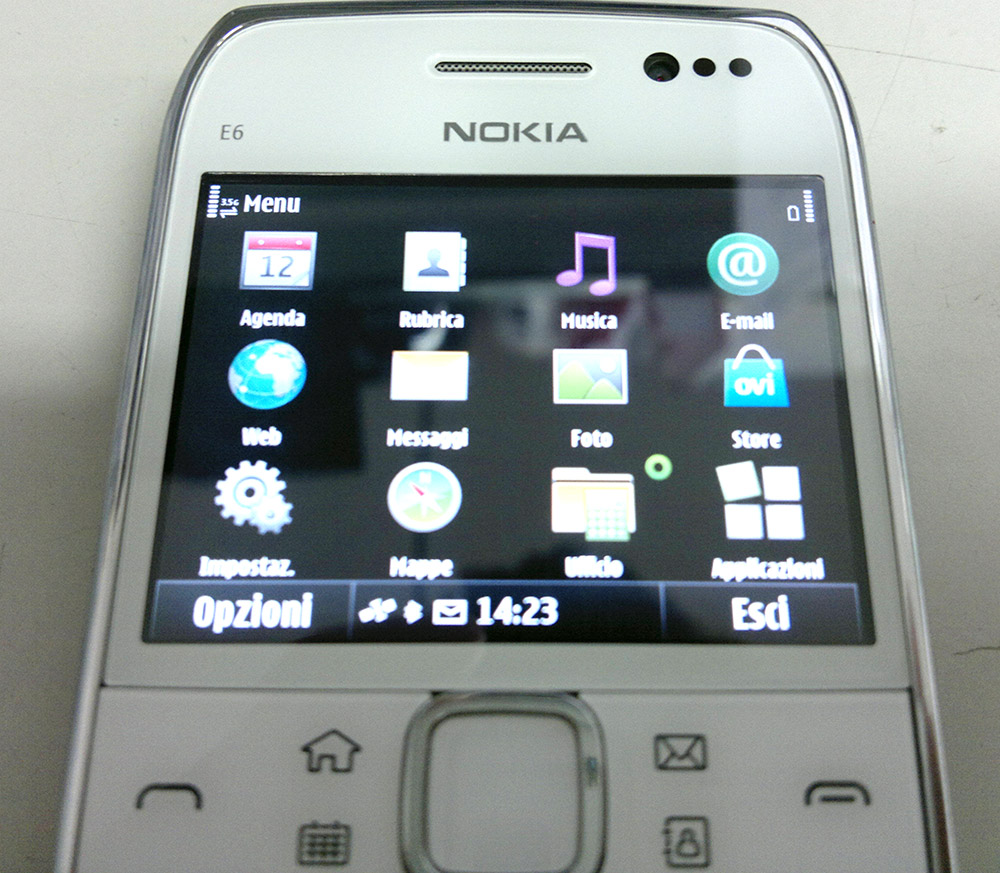News > Leaked Nokia E6-00 spy photos > Picture View