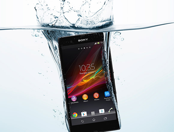 Sony Xperia Z in water