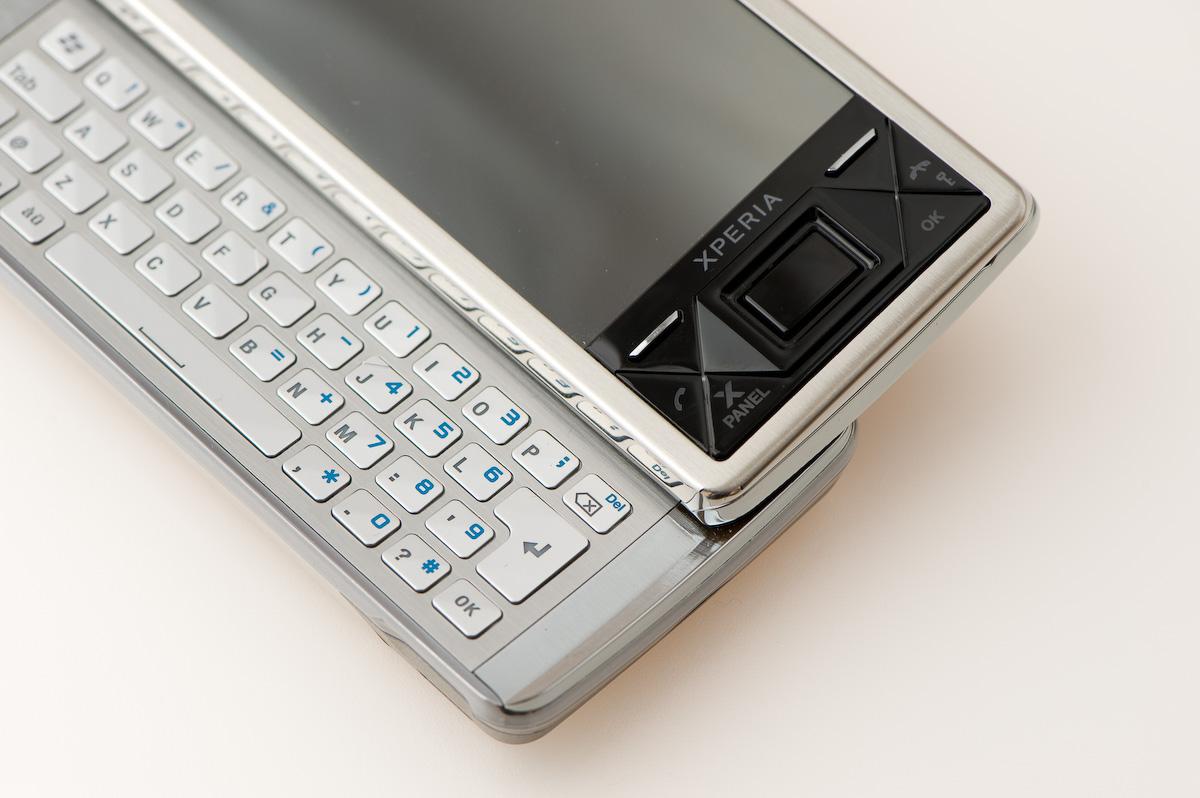Sony Ericsson Xperia X1 review @ Esato